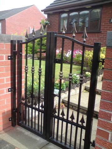 George_small_gates