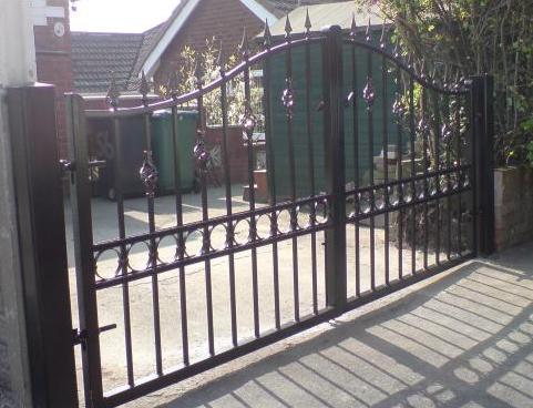 Driveway gates cpa gates for Driveway gates online