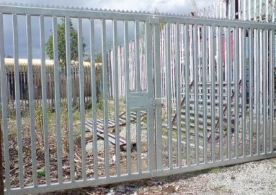 CFE_gates_side